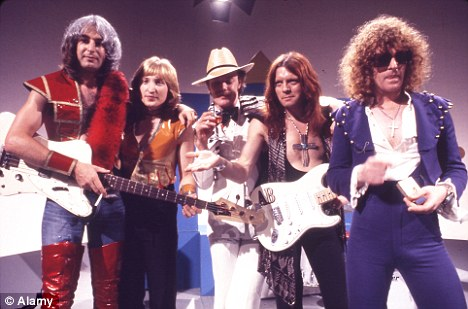 Mott The Hoople Inducted Into Rock And Roll Hall Of Fame