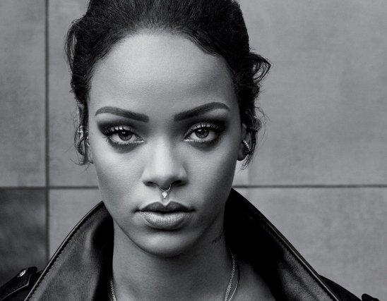 Rihanna_b&w_2015